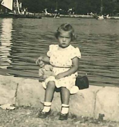 Ruth-Lucy_Ausschnitt_1949